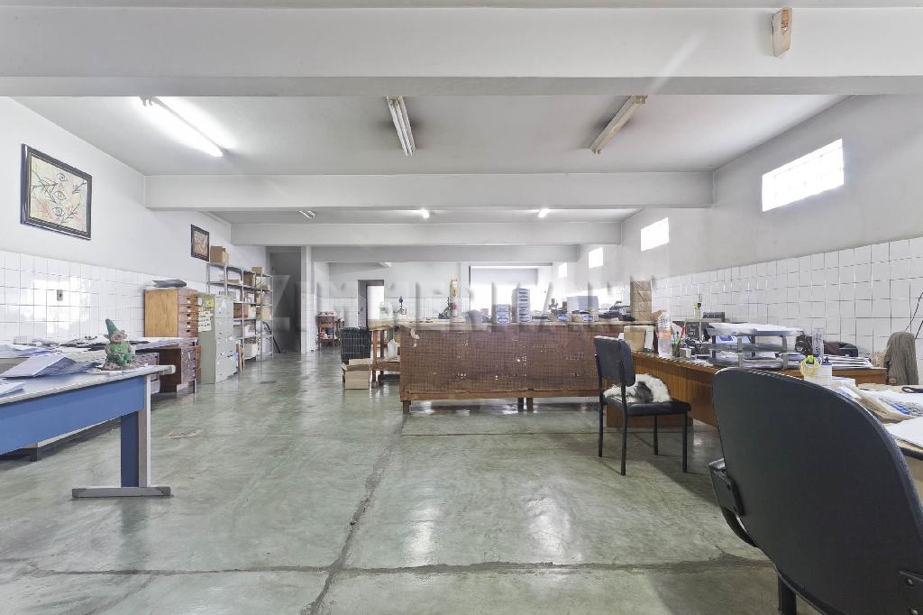 Prédio à venda em Lapa, São Paulo - SP