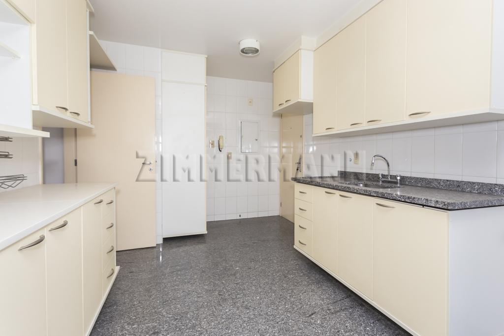 Apartamentos de 4 dormitórios à venda em Vila Romana, São Paulo - SP